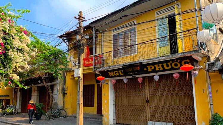 Vietnam closes popular tourist destinations to fight Covid-19 pandemic